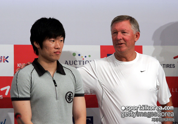 박지성, 퍼거슨이 영입한 선수 평점 7점.. 호날두 10점-동팡저우 0점