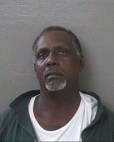 담배를 훔친 죄로 20년형을 선고받은 남성. 미국 플로리다 에스캄비아 카운티 교도소 홈페이지
