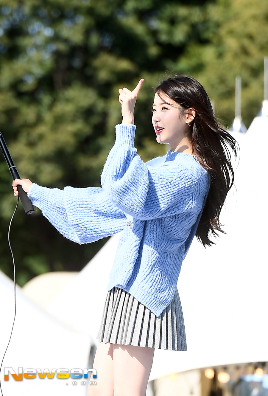 Iu One More Selfie