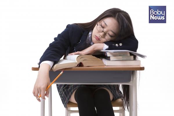 진짜 어른이 되는 공부는 고등학생 때 배워야 하는 것이 아닐까요? ⓒ베이비뉴스
