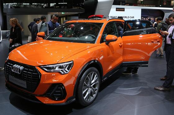 아우디의 소형 SUV Q3의 2세대 모델. 7년만에 완전변경된 모델로 1세대보다 다소 몸집이 커졌다.실내는 버추얼 콕핏과 터치스크린 등으로 디지털 기능을 대폭 강화했다.[UPI=연합뉴스]