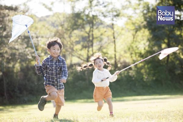 두 아이가 잘 지내기 위해서 어떻게 키워야 할까요? ⓒ베이비뉴스