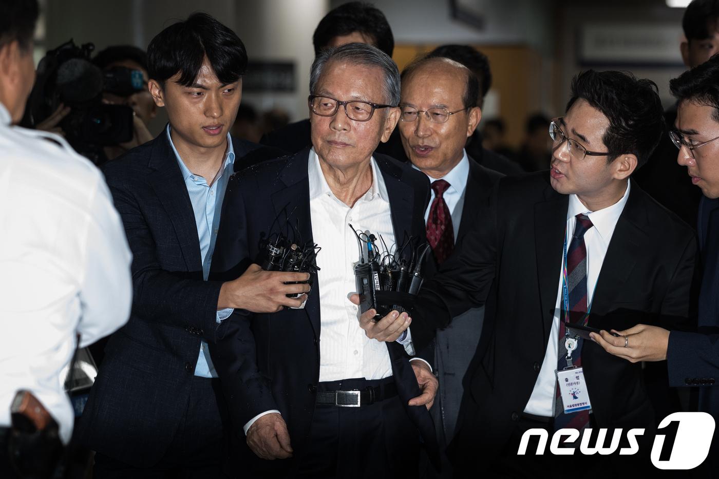 김기춘, 징역 1년6개월 재수감..조윤선 구속면해(종합)