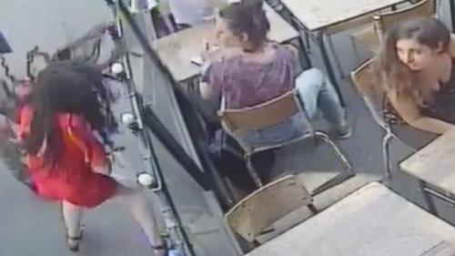 한 남성으로부터 폭행당한 프랑스 파리 여대생 마리 라게르 [유튜브 캡처]