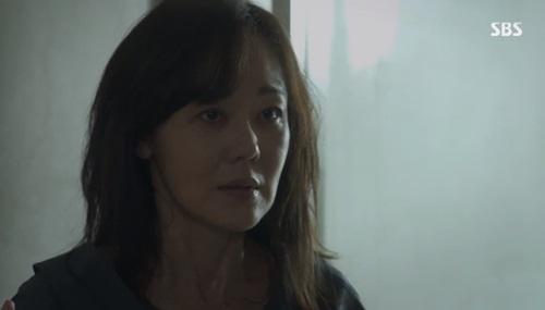첫방 '미스 마' 김윤진, 딸 살인범 된 9년만 탈옥 첫등장 '강렬'