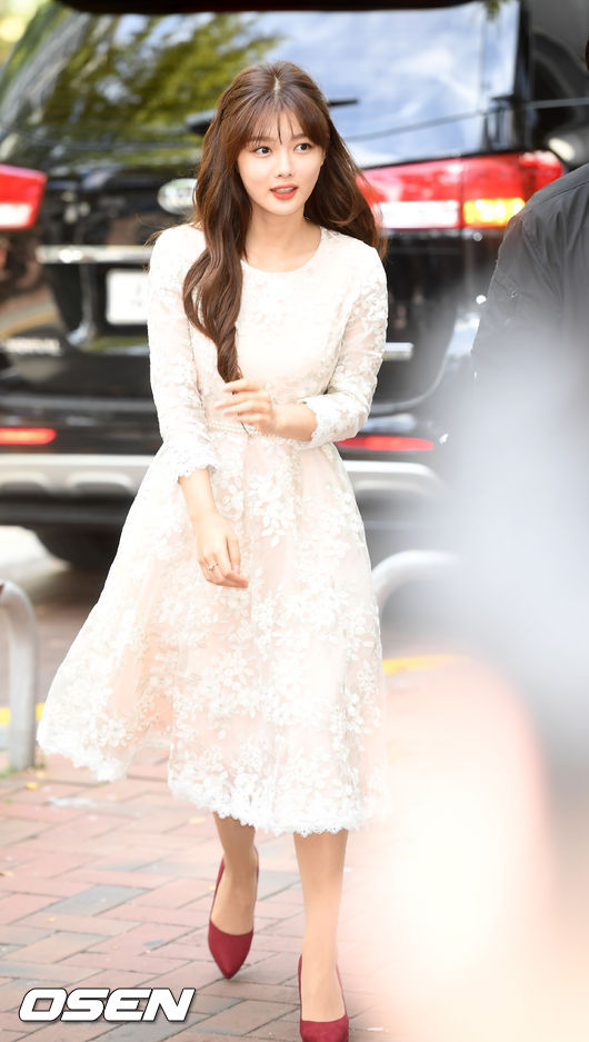 <p>On the 8th, Launching new product launched at Laneez EI flagship store in Ewha Womans University, Seodaemun-gu, Seoul, Chugai Travel actor Kim Yoo-jung has photo time. /</p>