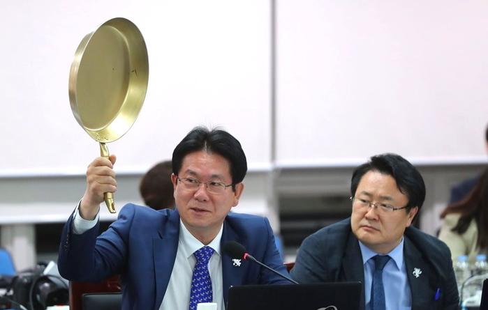 """""""국회가 만만하나?"""" 이동섭 의원, 장병규 4차 산업위원장 질타 #게임 #game"""
