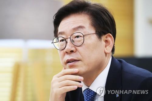 경찰, 이재명 경기도지사 성남 자택 압수수색(2보)