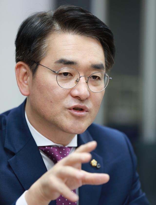 10월16일 오전 서울 여의도 국회의원회관에서 박용진 더불어민주당 의원이 <한겨레21>과 인터뷰하고 있다. 류우종 기자