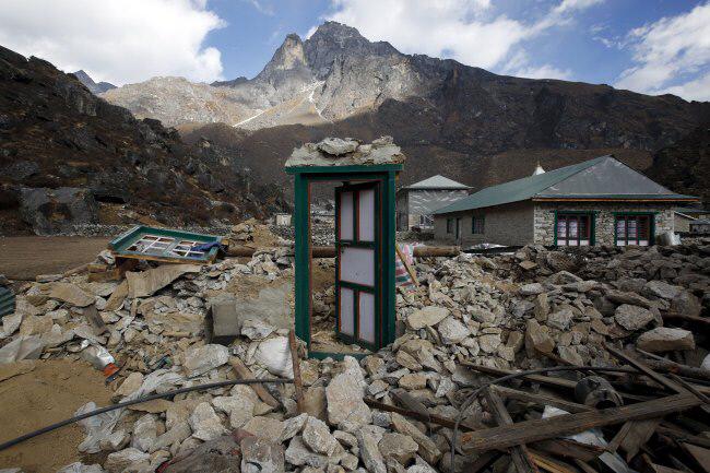 2015년 12월 지진으로 폐허가 된 네팔의 셰르파족 마을. 로이터·연합뉴스