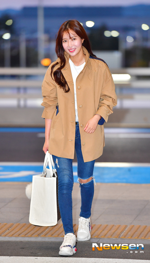 <p>Im Soo-hyang left JTBC My ID is Gangnam Beauties award car on October 19th at Incheon International Airport Terminal # 2.</p><p>On this day, Im Soo-hyang is heading for departure.</p>