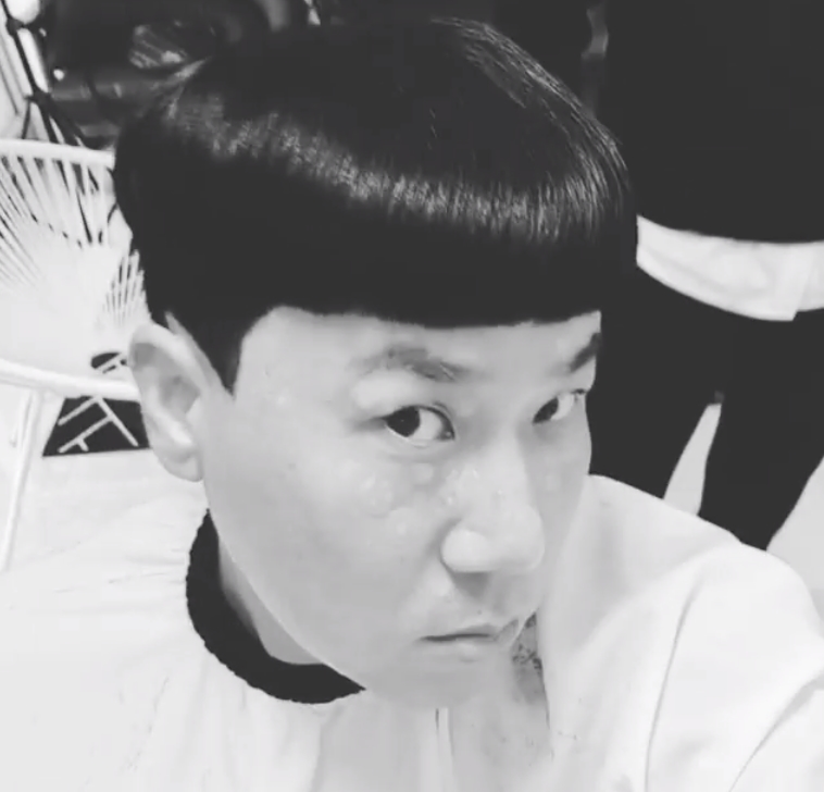 <p>Lee Sang-min from the group Lula boasts a unique hair style.</p><p>Lee Sang-min posted a short video on his October 24th instinct with Cap head in his instagram.</p><p>Inside the video was Lee Sang-min, who created a short-length, extraordinary Hair style. The hairy style looks like a proud smile.</p><p>The fans who responded to the video responded to Hair is the art and I look young.</p><p>Lee Sang-min is active in various art programs such as JTBC Knowing Bros</p>