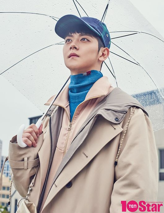 <p>Actor Yeo Hoe-hyun has adorned the sign for the November 10 star entertainment magazine Ten Star.</p><p>Yeo Hoe-hyun made his first magazine sign model in life. The man s emotions standing at the threshold from autumn to winter appeared through the sign. Yeo Hoe-hyun in the picture suggested FW season fashion style. She wore a sweater, coat, padding, etc., and freely used her face and pose for her concept. In particular, the black and white photographs of mens scent attracted attention.</p><p>Yeo Hoe-hyun is a learned actor. KBS2 KBS Drama Special After making his debut as a member of Ungrateful Girls (2015), he appeared in various KBS Drama Specials and films and played his acting roles. Thanks to KBS2 Lingerie Girls Generation last year, I played KBS Drama Special like I Want You to star in this weekend. In the first TVN performing arts tour, I Wanna Tour, I was loved as the youngest actor. In the movie Ansi City, he played a role of a new starter with a cute boy soldier Maro. Yeo Hoe-hyun vowed, It is unfortunate that a day goes by in the twenties, and It will become a long-running actor.</p><p>Yeo Hoe-hyun, who spent the year of filming Take Away with and Ansi City, is currently taking a break. He said that he frequently met with his friend Dong-hee, Kwon So-hyun, and the 94 meeting, which consisted of Hong-seok of the group Pentagon. Yeo Hoe-hyun said, I am a friend of mine. He also had a meeting and room escape game and promised to play at the amusement park. He hoped that he would go out with his friends in a one-night food trip or battle trip.</p><p>Yeo Hoe-hyun says that he plans roughly at the beginning of the year. He said, I have achieved my goals set last year and I think I have achieved this year. His goal last year was to build two KBS Drama Specials without hesitation, and this year he had a lot of recognition. Yeo Hoe-hyun said, I would like to have only five movies and a KBS Drama Special because its okay if its not a star.</p><p>Yeo Hoe-hyuns interview with the picture can be seen in the 10Star (TENSTA) November issue [Photo] 10Star (TENSTA)</p><p>10Star (Ten Star)</p>