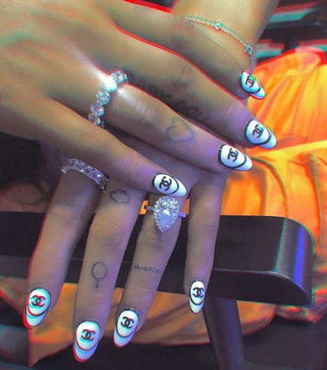 /사진=네일 스웨그 인스타그램에 올라온 아리아나 그란데의 손