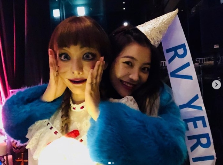 <p>Taeyeon was surprised by Annabelle for Halloween.</p><p>Annabelle is a doll that brings a curse that appears in the movie Annabelle.</p><p>A member of Girls Generation Taeyeon posted a picture of her own on November 1 st in her instagram.</p><p>In the picture, Taeyeon transformed into Annabelle, and Red Velvet Yeri holding Taeyeon from behind. The beauty of Taeyeon, which is not covered by its unique makeup, attracts Snowy Road.</p><p>The fans who saw the photos reacted to Anna Taeyeon, Feeling frightened and cute</p>
