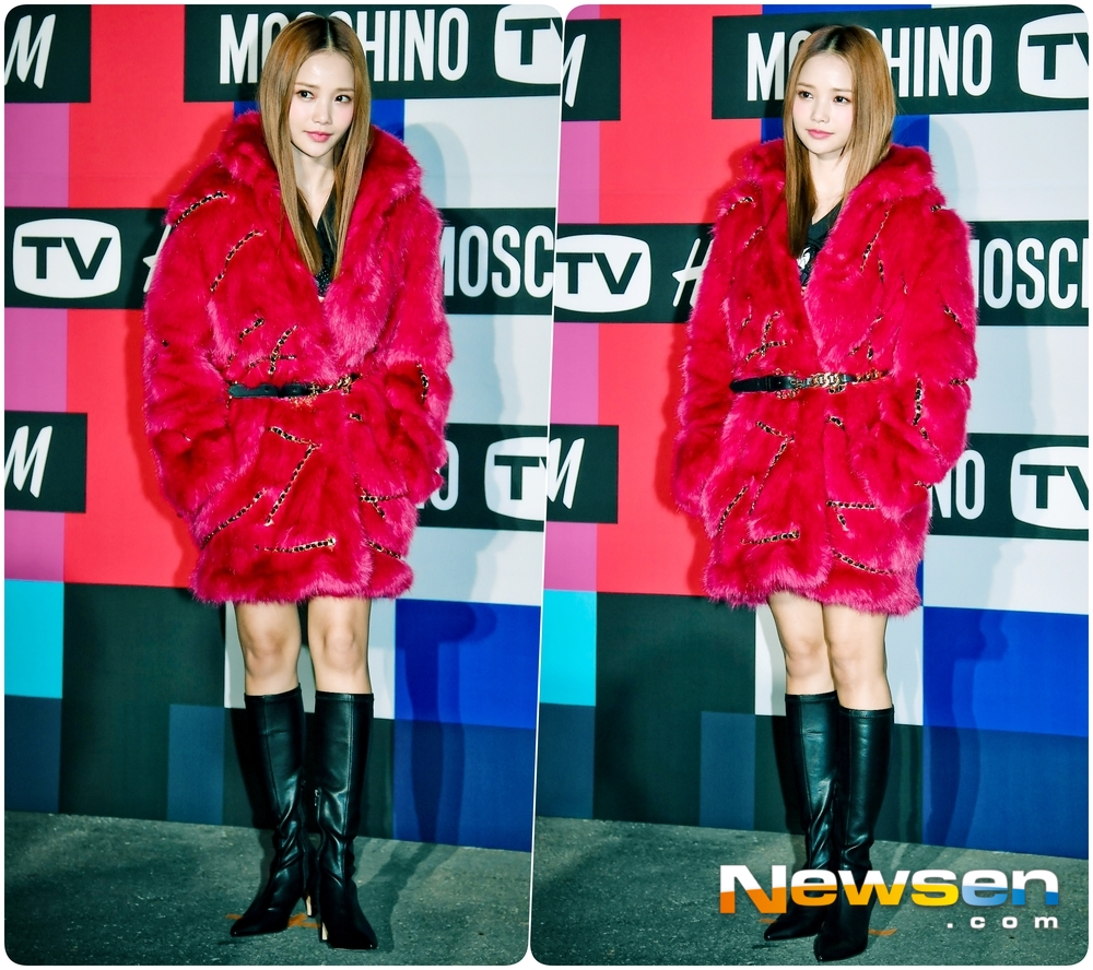 <p>All fashion brand collaboration launched The Party with 11 6 PM peak auto layer 57 in the open.</p><p>This day the singer Sandara, green, Hyoyeon(Girls Generation), L(infinite), N(VIXX), rods(gold car) learn to smoke, smoke very attend.</p>