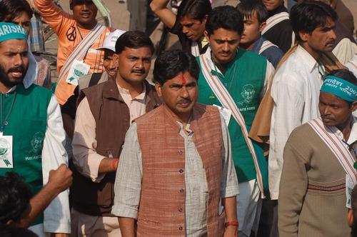 인도 평화운동가 라자고팔(가운데) [출처:Wikimedia Commons]