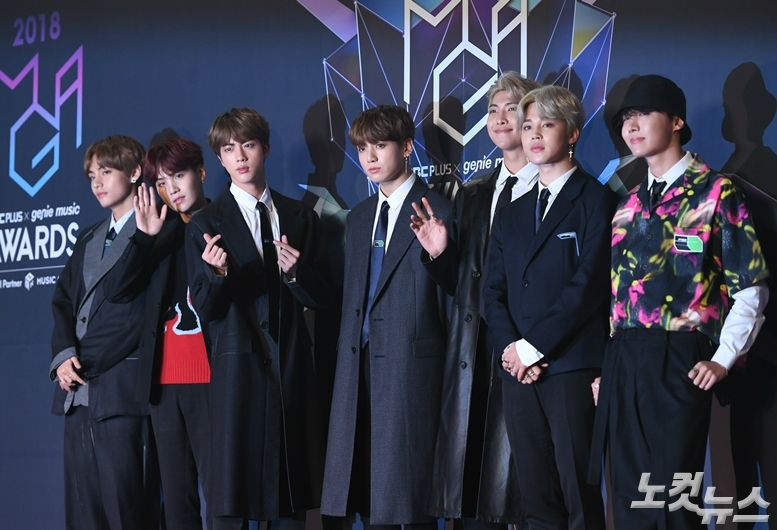<p>13, released on the Japanese Oricon weekly singles chart(11/5 to 11/11), according to the last 7 Days released the BTS of the 9 second single Fake Love/Airplane! Part 2(FAKE LOVE/Airplane pt. 2)45 4829 points to record weekly Single Chart # 1.</p><p>The album in the first week of the 40 million points beyond the foreign artists BTS, this is the first. As well as this album daily singles chart on sale the first day 1 in 6 days continuous 1 Above.</p><p>BTS single Fake Love/Airplane! Part 2the world as the United States Billboard 200at # 1 for Fake Love(FAKE LOVE), including a total of 4 songs.</p><p>The BTS is called the shirt controversy, such as the Japanese activities in the setback. Reader RM this past 2013 year for the independent SNS posts and recently another member Jimin is independence T-shirtissue three in Japan my reaction.</p><p>Jimin is wearing a T-shirt on independence to right if more people look, the atomic bomb footage pictures and patriotism(PATRIOTISM), our history(OURHISTORY), liberation(LIBERATION), Korea(KOREA) English print the pig.</p><p>The Japanese media Tokyo Sportslast month 26, Korea BTS of emergency official a-bomb T-shirt, leader of the Japanese blame tweet this article through the BTS this half-day activities.</p><p>BTS is the past 9 days appeared to have had TV Asahi music stationappeared too abrupt cancellation. Music station side previously, the members wearing the T-shirt design since the and at some time went. The broadcasting company that owned the record company he wears a intended to ask, such as consultations were in progress, but the comprehensive judgment result this time appeared to proceed I decided not to,he says.</p><p>Meanwhile, BTS - 13, Japan-Tokyo Dome, starting with Kyocera Dome Osaka, Nagoya Dome, Fukuoka Yahoo Japan!Under the dome Love is the self Japan dome tour.</p>