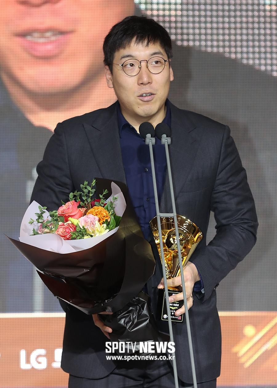 """""""어부지리"""" 반응에 뿔난 김현수 작심 발언 왜 나왔나"""