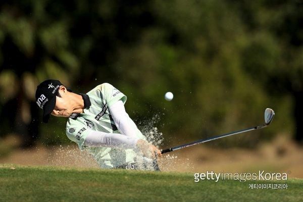 2018년 LPGA 투어를 수놓은 태극낭자들의 명장면 가운데 하나는 7월 KPMG 위민스 PGA 챔피언십에서 나온 박성현의 해저드 샷이었다. 사진=게티이미지코리아