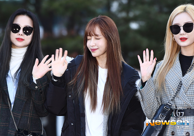 <p>KBS 2TV 'Music Bank' Replay this 11 23 a.m. Seoul Yeongdeungpo-GU Yeouido KBS new building public hall in progress.</p><p>This day, EXID(LE, purified, Solji, benefits) to the Replay to attend to.</p>