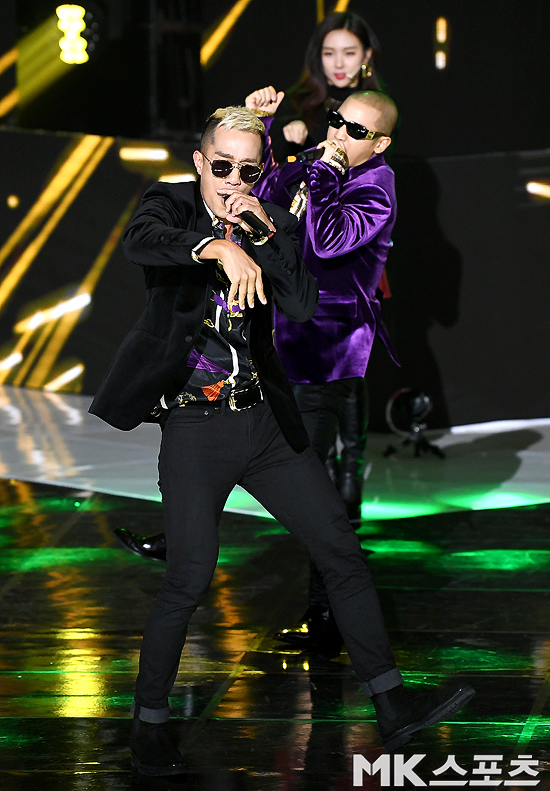 <p> SBS MTV 'The Show' live broadcast on the 27th afternoon, MAPO-GU, Seoul SBS Prism tower in the open.</p><p>Group Mighty Mouse 'The Show' live broadcast from the gig.</p>