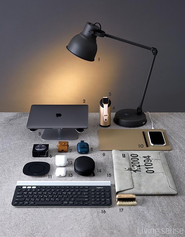 애플 마니아의 워너비 책상