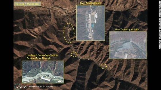CNN이 5일(현지시간) 미국 미들버러 국제학연구소로부터 단독 입수한 새로운 인공위성 사진을 근거로 북한이 지난 6월 싱가포르 북·미 정상회담 이후에도 양강도 영저동 장거리 미사일 기지를 대폭 확장해온 것으로 보인다고 보도했다. [사진 CNN 캡처]