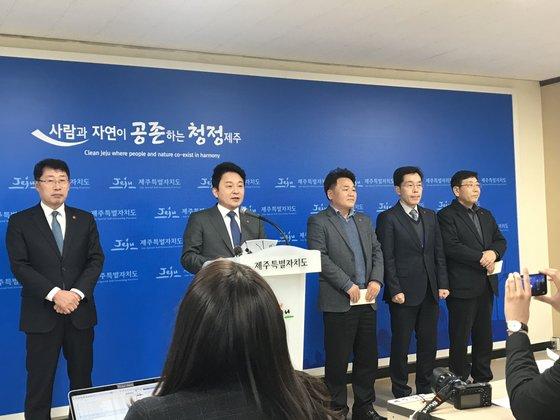 """""""제주 영리병원 반대"""" 반발 이어져..의협회장도 항의 방문"""