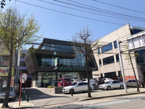 서울 화곡동의 하정우 건물. 사진|㈜빌사남