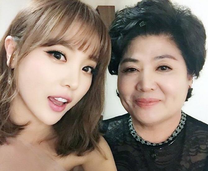 [단독] 홍진영 + 어머니, '미우새' 고정 합류 한다