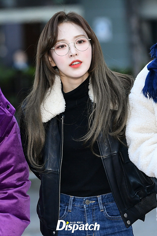 <p> KBS-2TV 'Music Bank' rehearsal 14 am Seoul Yeongdeungpo-GU Yeouido KBS Public Hall in the open.</p><p>Red Velvet Wendy, this day, glasses with fashion on point to me. Intelligent attractive overflowing.</p><p>Meanwhile, this day in Music Bank, Exo, Red Velvet, NCT127, La Boom, is, Golden car, Hey Girls, JBJ95, Ben, tip, Data Services, Conference etc attended.</p><p>Smile on</p><p>Water right memo</p><p>Campus training her</p>