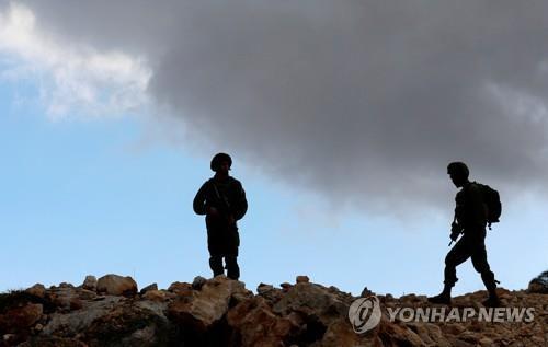 요르단강 서안의 이스라엘 군인들[로이터=연합뉴스]