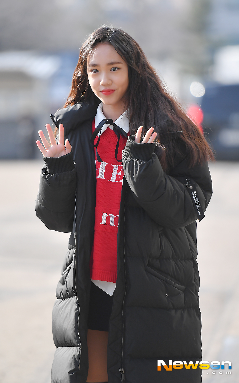 <p>KBS 2TV 'Happy Together Season 4' recording is 12 15 PM Seoul Yeongdeungpo-GU Yeouido Dong KBS Annex building in progress.</p><p>This day, Kim Ji Young in this photo pose in response.</p><p>A drama 'why so upwind weather' special recording with MC Yoo Jae-Suk, Hyun, Jo Yoon Hee, Jo Se-ho as a guest not to come, this time, Yichang cute, Kim Ji Young(child artists)attended.</p>