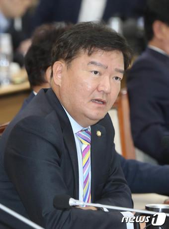 민경욱 자유한국당 의원. 2018.10.24/뉴스1 © News1 주기철 기자