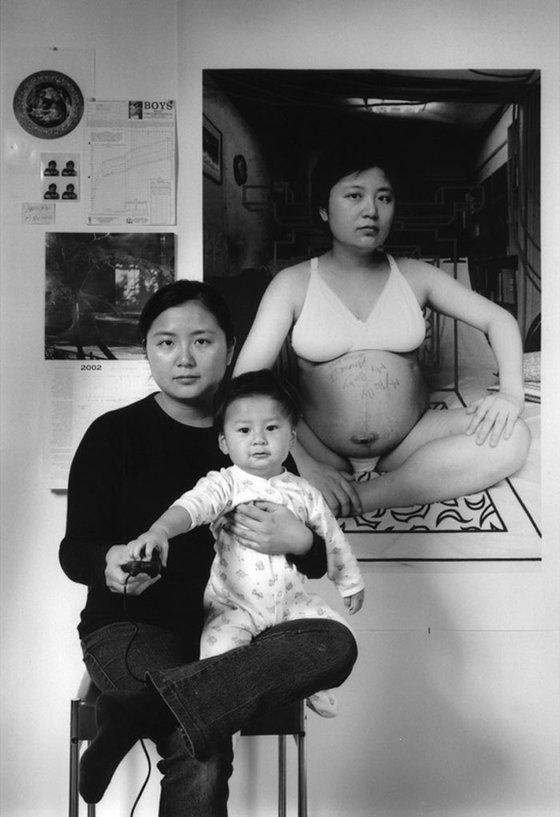 대만 사진가 애니 왕의 창조하는 어머니 시리즈. [사진 애니 왕]