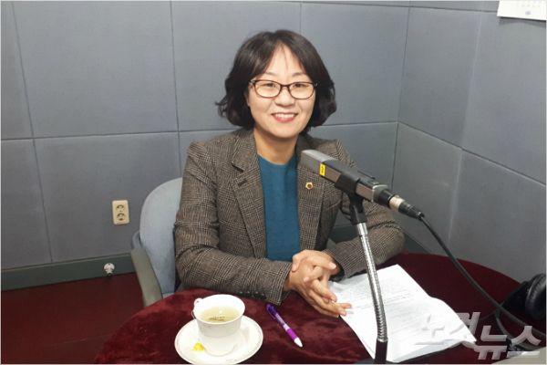 강원CBS'시사포커스 박윤경입니다'에 출연한 허소영 의원(사진=강원CBS)