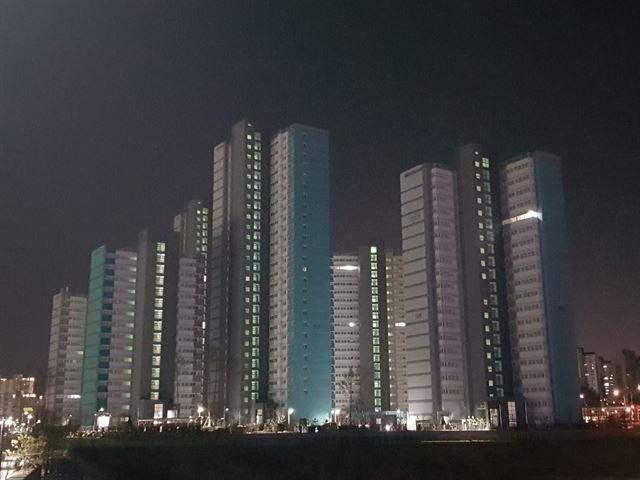 빈집 비율이 60%에 달하는 경기도의 한 행복주택 아파트.
