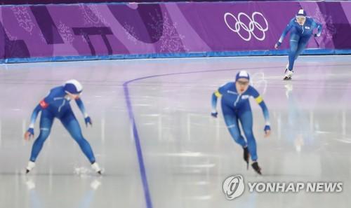 평창올림픽 여자 팀추월 경기 장면 [연합뉴스 자료사진]