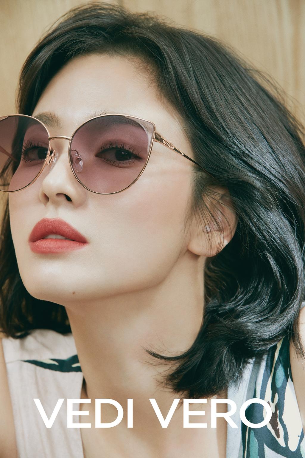 송혜교, 선글라스 화보 공개..세련미 '물씬'