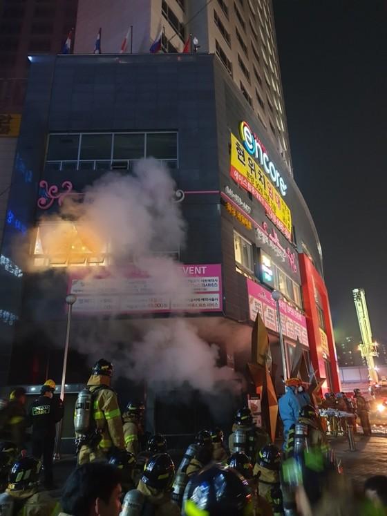 천안 라마다호텔 화재.. 직원 1명 숨진채 발견