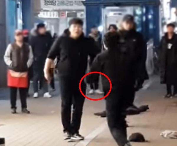 암사동 암사역 칼부림, 구속영장 신청.. 경찰 대응 논란 온라인 시...