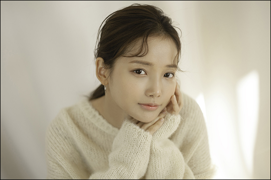 배우 하연수가 영화 '그대 이름은 장미'를 통해 관객들과 만난다. ⓒ 리틀빅픽쳐스