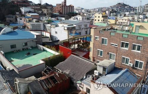 '손혜원 투기 논란' 목포역사거리 실제 땅값은..1년새 31% 올라