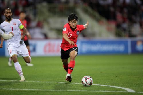 이승우가 지난 22일 바레인전에서 드리블하고 있다. 제공 | 대한축구협회