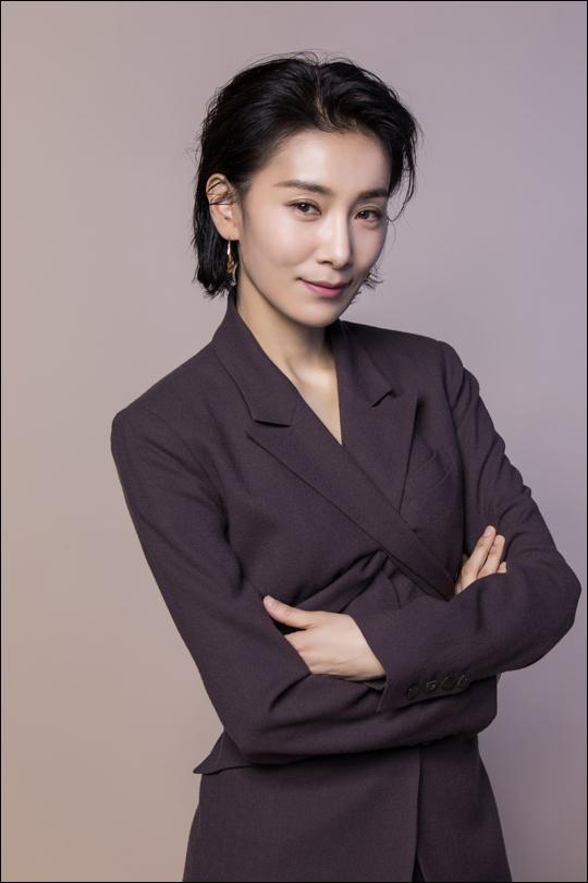 배우 김서형은 JTBC 'SKY캐슬'에서 김주영 역을 맡았다.ⓒ플라이업엔터테인먼트