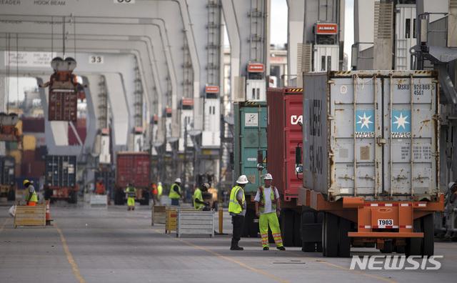 美 작년 11월 무역적자 493억달러..6개월만에 줄어[텐 토토|아테네 토토]