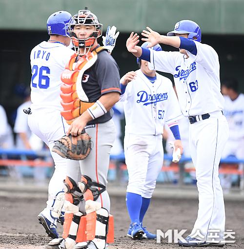 한화 이글스가 일본 오키나와에서 치른 첫 번째 연습경기에서 18점차 대패를 당했다. 사진(日오키나와)=천정환 기자