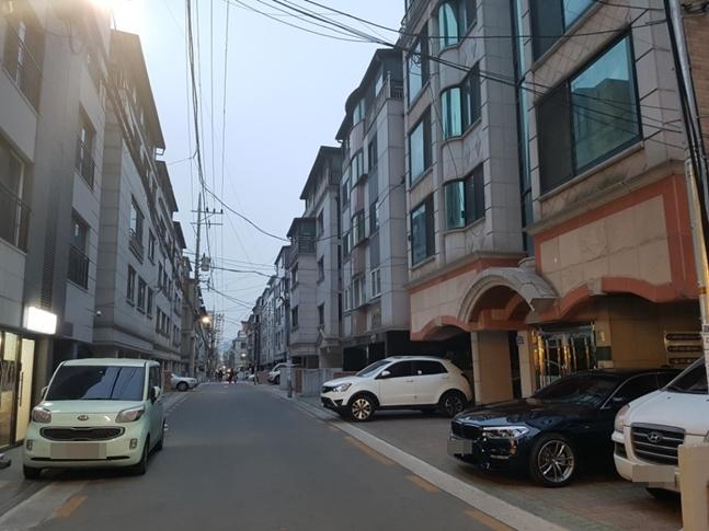 빌라 거래시장이 조용하게 활황세를 이어가고 있다. 사진은 서울 송파구의 빌라촌 모습. ⓒ권이상 기자