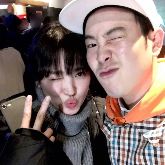 <p>Block member and an actor PIO(cover lesson)Hope to alone.</p><p>2 11 company management the PIO personal Instagram actress Song Hye-kyo and taken to the Self was published.</p><p>The picture PIO, Song Hye-kyo is a playful expression as friendly.</p><p>PIO company side Hope this deals with the PIO~ JI Hoon is in the broadcast or in an interview so beautiful. and the song sang was Song Hye-kyo actor and Self disclosure! The size is really too pretty. The photo with the fence that you cant miss! Totally envy our blood,he added.</p><p>Meanwhile PIO, Song Hye-kyo is a tvN drama The Boy friendappeared.</p>